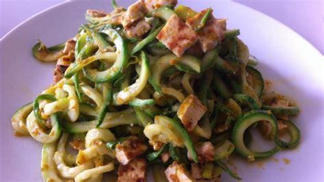 pasta con fiori di zucchine ricette spaghetti di zucchine con crema ai fiori di zucca