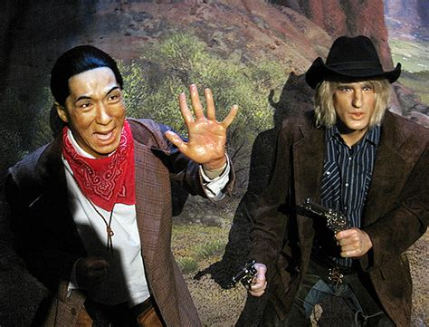owen wilson and jackie chan owen wilson jackie chan at the hollywood wax museum photo