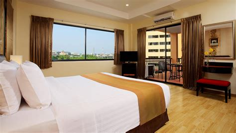 which hotels have 2 bedroom suites two bedroom suite nova park hotel pattaya
