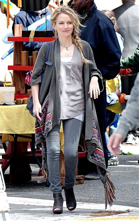 Style Becki Newton Fabsugar Want Need by Becki Newton On The Set Of Quot Bites Quot 1 Of 6 Zimbio