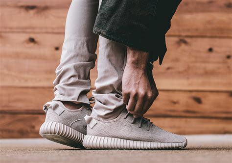 Sepatu Sneakers New Ultra Yezzy yeezy boost 350 price release info sneakernews