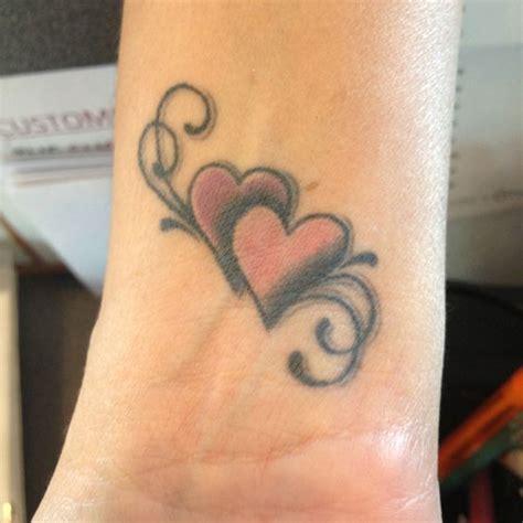 loving mother daughter tattoos inkdoneright mothers mother daughter tattoo and daughters on pinterest