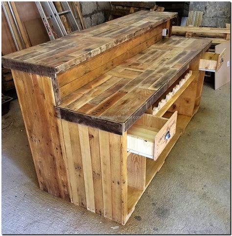 17 best ideas about pallet bar on pallets