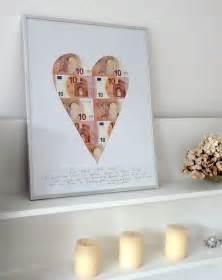 Gift Ideas For Housewarming geldgeschenke originell verpacken mit einem passepartout