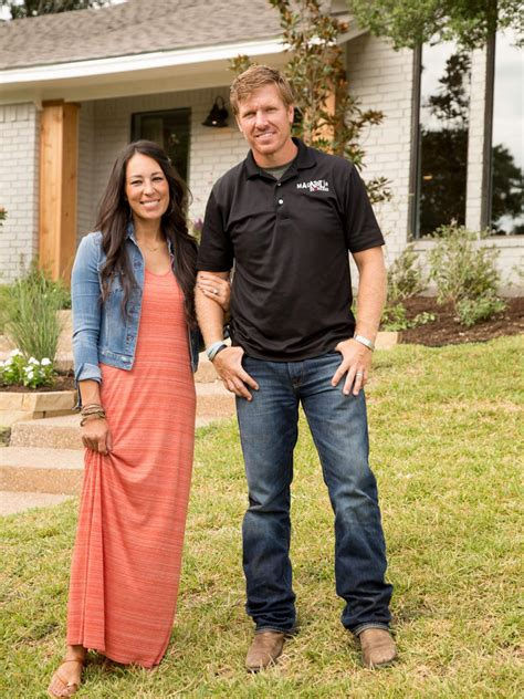 chip and joanna gaines gallery photos hgtv s fixer upper with chip and joanna gaines hgtv