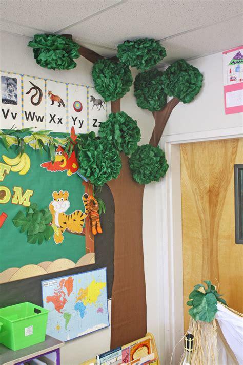 reading themes for preschoolers classroom jungle reading corner