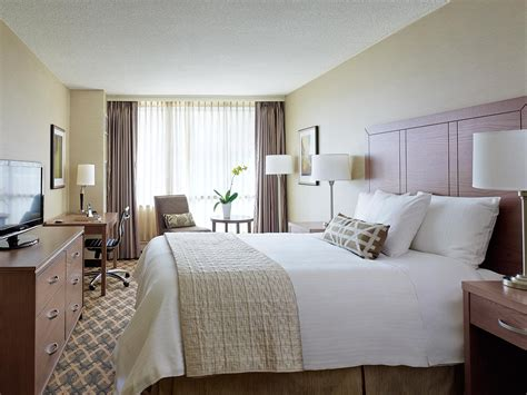 hotels with two bedrooms toronto classic hotel room chelsea hotel toronto
