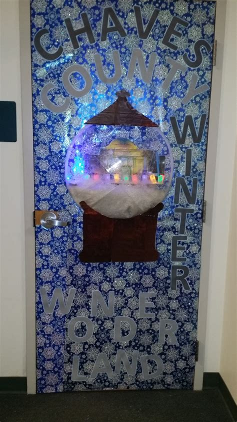 christmas theme decorating contest 2014 chaves county finance ihc dept door decoration entry theme was chaves county winter