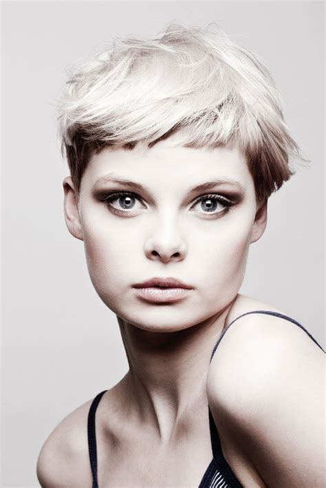 androgynous wedge hair cuts 17 best images about pixie haircuts on pinterest pixie