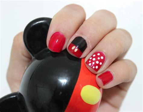 tutorial nail art minnie mickey minnie mouse inspired nail art slashed beauty