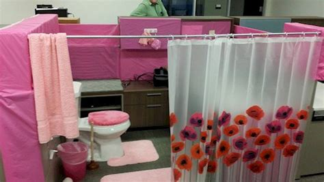 bathroom prank ideas 15 hilariously evil pranks to play on your coworkers
