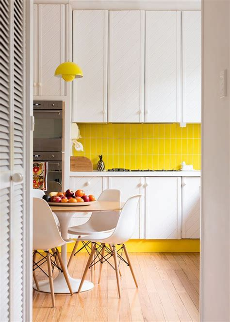 backsplash for yellow kitchen obsessed with yellow 19 eye catching ideas