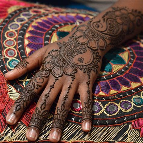 henna tattoos on black skin henna designs chhory