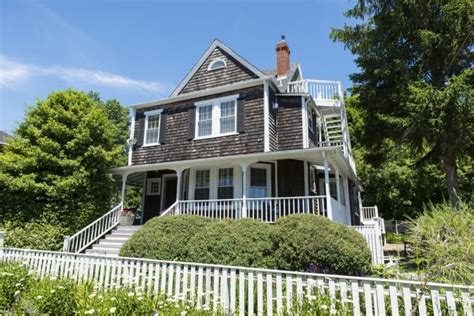 crocker house inn the top five rated hotels in martha s vineyard