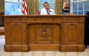 White House Oval Office Desk File Barack Obama Sitting At The Resolute Desk 2009 Jpg