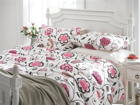pink and white bedding interesting black and white bedding ideas with amazing images ideas