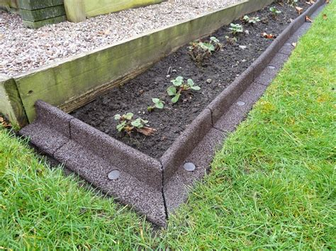 Gardener S Supply Company Lawn Edging Creating A Lawn Border For My Strawberry Bed Review Of