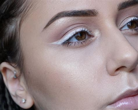 Summer 06 Makeup Trend Eyeliner by How To Use White Eyeliner Style Arabia