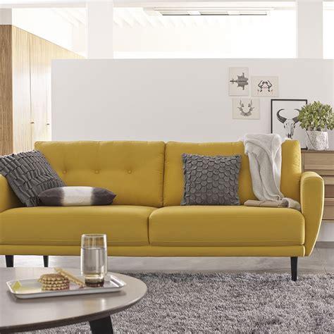 salon avec 2 canap駸 salon 233 pur 233 avec tapis gris et canap 233 jaune 2 places avec