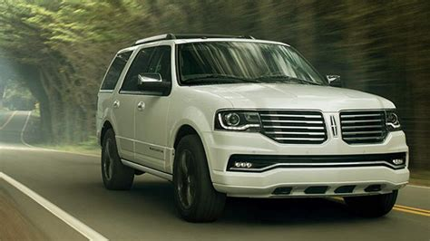 Navigator Towing Capacity by 10 Best Large Suvs With Great Towing Capacity