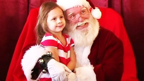 see santa on santa claus field trip causes controversy