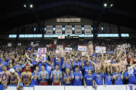 best basketball student sections 1000 images about jayhawk basketball fans on pinterest