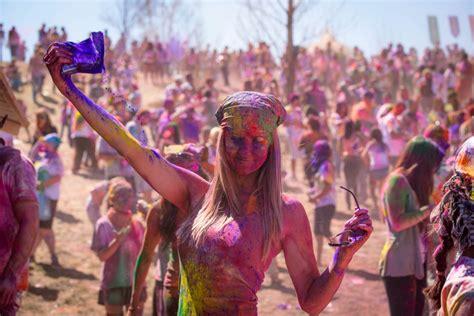 festival de colores holi vs festival chori taringa