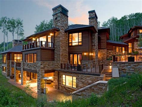 Beautiful Big Houses by 25 Best Ideas About Big Beautiful Houses On