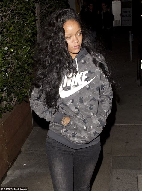 Rihanna Weave Hairstyles by Weave Bob With Side Part Newhairstylesformen2014
