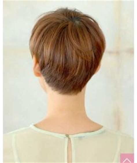 pixie and short crops 1980s 1990s hair styles short wedge haircut from 1980 cute short cropped wedge