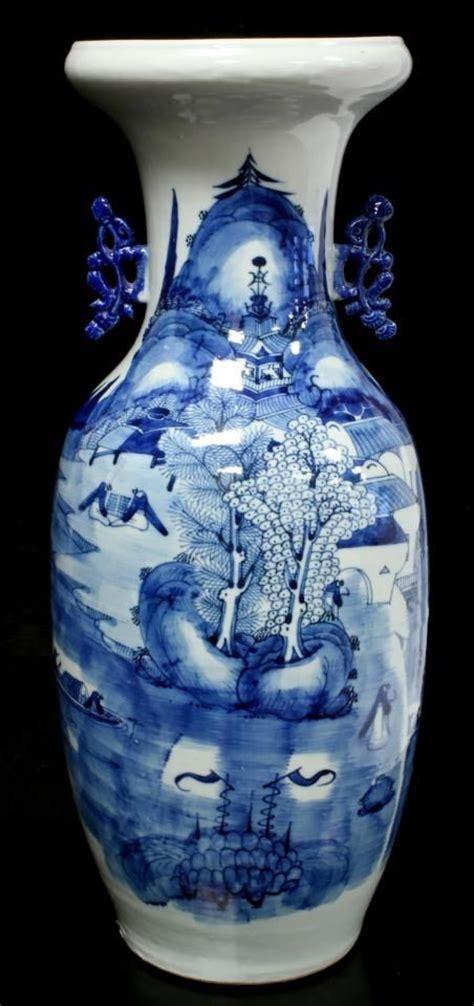 Antique Style Vintage Blue White Vase Painted 22cm 8 75 Quot Ebay Antique Blue White Porcelain Vase Antique Painted Blue White Porcelain