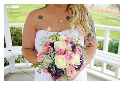 Flowers Used In Wedding Bouquets by Diffe Types Of Wedding Bouquet Flowers Style By