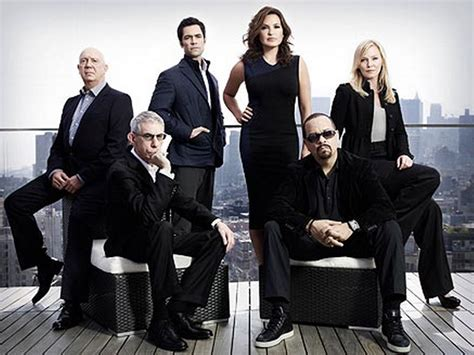 13 9 the story of a a season and a team that never quit books all things and order order svu cast photo season 13