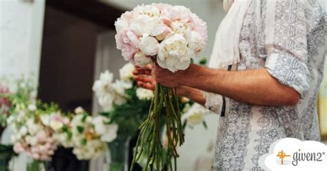 bouquet sposa con fiori di co bouquet sposa scegli il fiore giusto in base alla tua