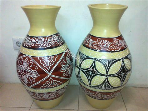 Harga Guci Pajangan jual batik di kategori souvenir harga murah beli
