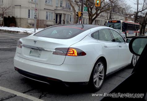 Tesla S Canada Tesla Model S Spotted In Toronto Canada On 01 05 2013
