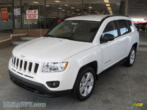 compass jeep white 2011 jeep compass 2 4 latitude in bright white 138729