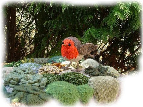 pattern for christmas robin robin redbreast toy knitting pattern by georgina manvell
