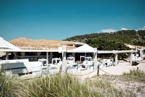 Beautiful Sofas el chiringuito es cavallet ibiza beach club amp beach