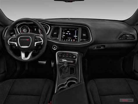 Interior Of A Dodge Challenger by Dodge Challenger Interior 2018 2019 Car Release And Reviews