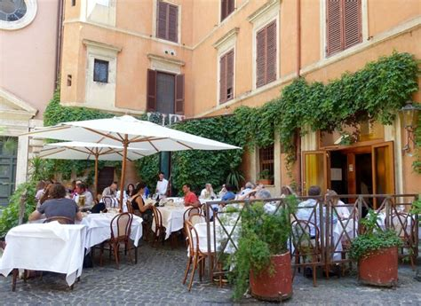 best restaurants in rome italy outside in rome piperno