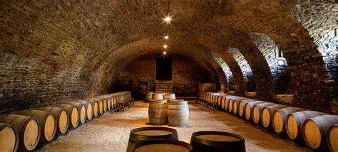 Château historique de Pierreclos en Bourgogne   Vin