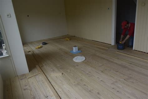Houten Vloer In De Was Zetten by Zelf Een Houten Vloer Leggen Eppinga Nl