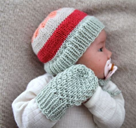 knitting pattern baby mittens 34 best images about knitting baby mittens booties on