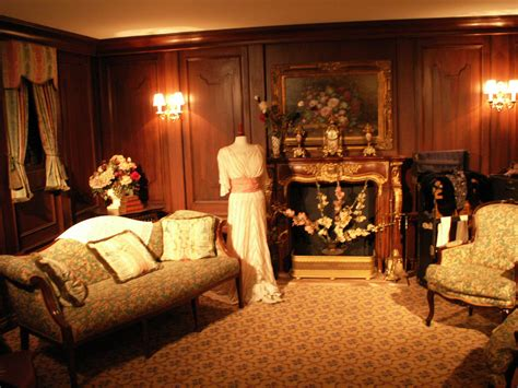 titanic 1st class bedrooms inside the 1st class passenger room at the titanic exhibit