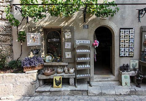 atelier de la treille magasin la treille souvenirs de provence les baux de