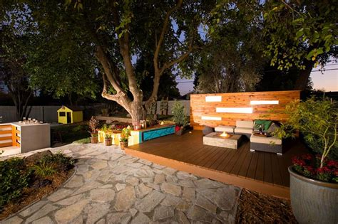 custom backyards ideas and tips for custom front yard and backyard decks quiet corner