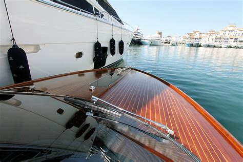 riva yacht kopen riva 33 aquariva motorboot motorjacht tweedehands kopen