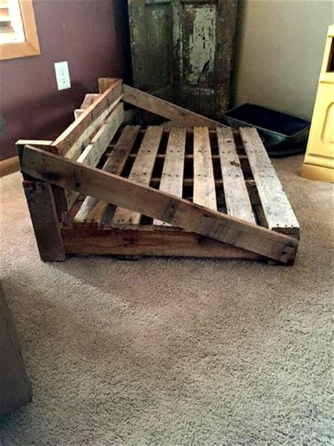 rustic dog bed   pallets  pallets