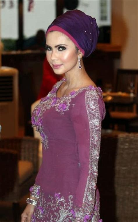 padusi rozita che wan sexy models exposed actress rozita che wan foto hangat